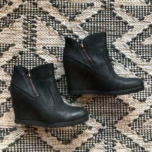 UGG wedge heel boots women's 9